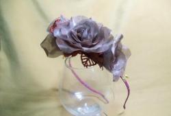 Şifon çiçeklerle Bezel