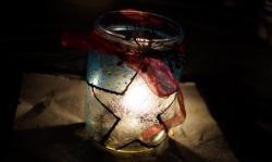 Świecznik ze szkła witrażowego