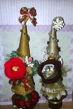 Copaci de Crăciun cu dulciuri folosind tehnica designului dulce