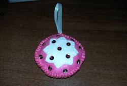 Коледна играчка от филц