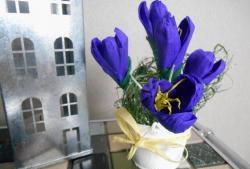 Bó hoa cúc từ giấy gợn sóng