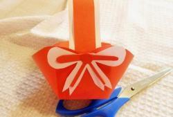 Coșul de hârtie de Paște