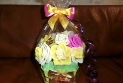 Как да украсите кутия шоколадови бонбони