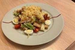 Salata A la Caesar