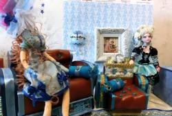 Royal sofa for dolls