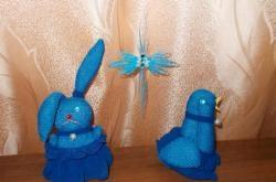 Pássaro de Páscoa e coelhinho da Páscoa