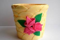 Декор саксии за цветя с вискозни салфетки