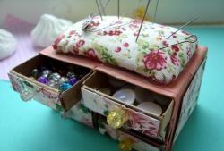 Dresser - cutie cu ac de cutie de chibrituri