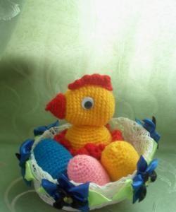 Pui de Paște cu ouă