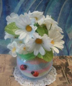 Compoziția sării colorate și a florilor artificiale