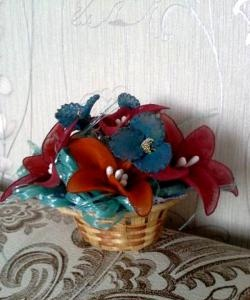 ตะกร้าด้วยดอกไม้จาก kapron