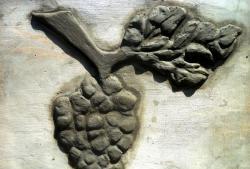Decorarea gardului cu decorațiuni din ciment