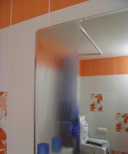 Για να αποφευχθεί ο θόρυβος του καθρέφτη του μπάνιου