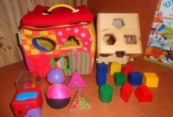 Dezvoltarea de jocuri și activități cu un copil de 2-3 ani