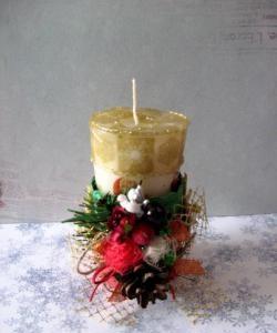 Lumânare de Crăciun și decorare pentru ea