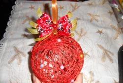 Bile de ață - decorarea bradului de Crăciun