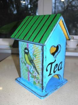 """ Tea House"" โดยใช้เทคนิค decoupage"