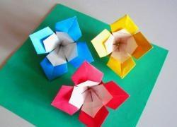 วิธีการพับดอกไม้จากกระดาษแผ่นสี่เหลี่ยม