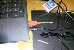 "Stick-cadou cu ""modem prin satelit"""