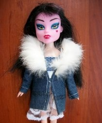 Clothes for dolls from old jeans