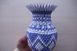 Vaso de módulos triangulares de origami