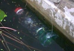 Pescar com uma garrafa de plástico