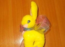 Faça você mesmo o coelho amarelo de pelúcia