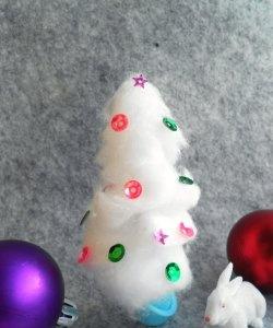 Árvore de Natal em miniatura de algodão