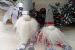 Gnomos bonitos para decorar a árvore de Natal ou decoração