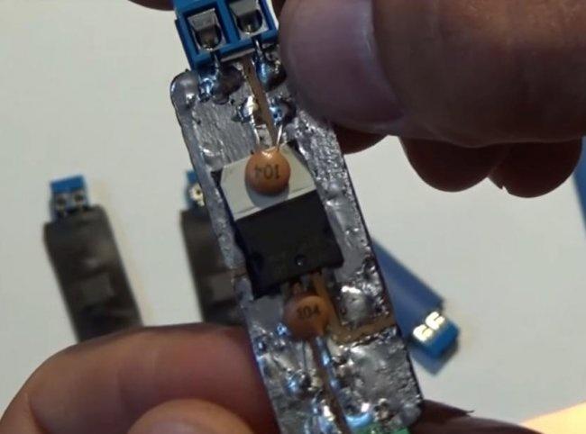 Stabilizator pentru LED-uri și DRL