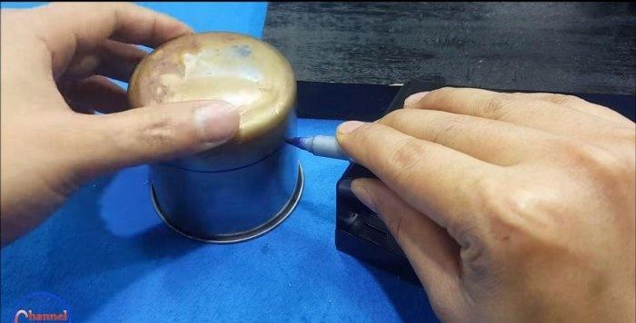 Miniaturowa wiertarka