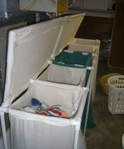 Голяма кошница за пране от пластмасови тръби