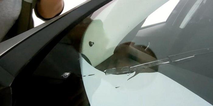 Cum să închideți o fisură pe un parbriz de mașină