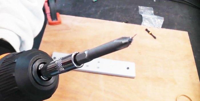 Πώς ξεβιδώνετε μια βίδα με επικάλυψη χρησιμοποιώντας μια πλεξούδα