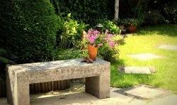 Banco de concreto para o jardim