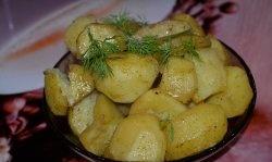 Cartofi rapide la cuptorul cu microunde