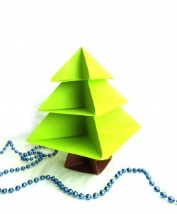 Origami tekniğinde bir Noel ağacı nasıl yapılır