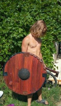Vikingenes og slavernes skjold gør det selv