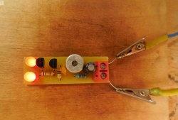 Pisca-pisca acústica de LED
