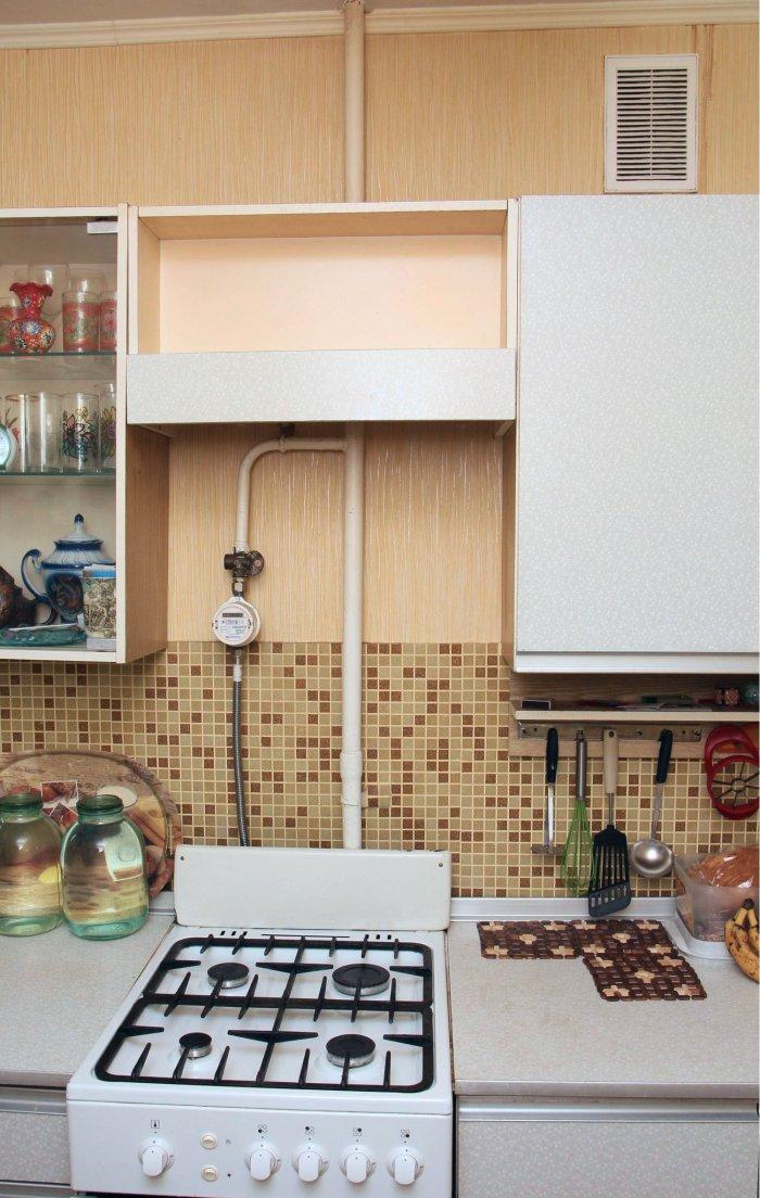 Kaip laisvai įmontuoti gaubtą virtuvėje