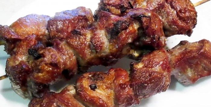 Grillowany kebab z grilla