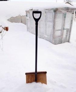 Направи си дървена лопата за сняг