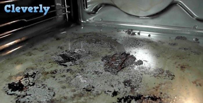 Fırında doğaçlama yöntemlerle kolay temizlik