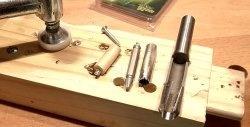 Μέθοδοι για την εξαγωγή σκισμένων και σπασμένων κοχλιών ξύλου