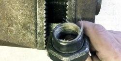 Πώς να καθαρίσετε σωστά και αξιόπιστα το λινάρι στις συνδέσεις υδραυλικών εγκαταστάσεων