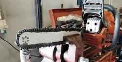 Kette einer Kettensäge mit einer Bohrmaschine schärfen