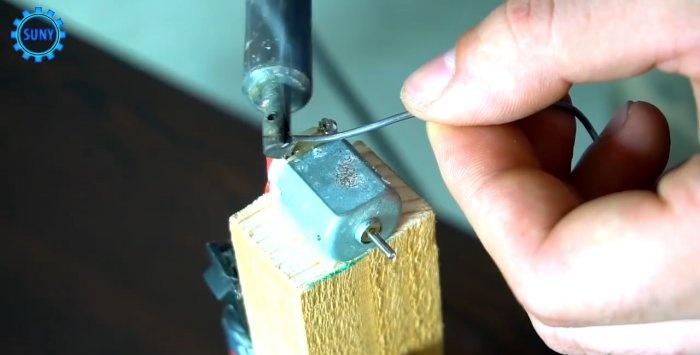 Jak zrobić prosty poziom laserowy ze wskaźnika