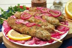 Kebab de porc într-o tigaie