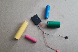 Încărcător compact pentru orice baterie externă