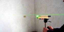 Cum se creează un nivel laser simplu dintr-un indicator